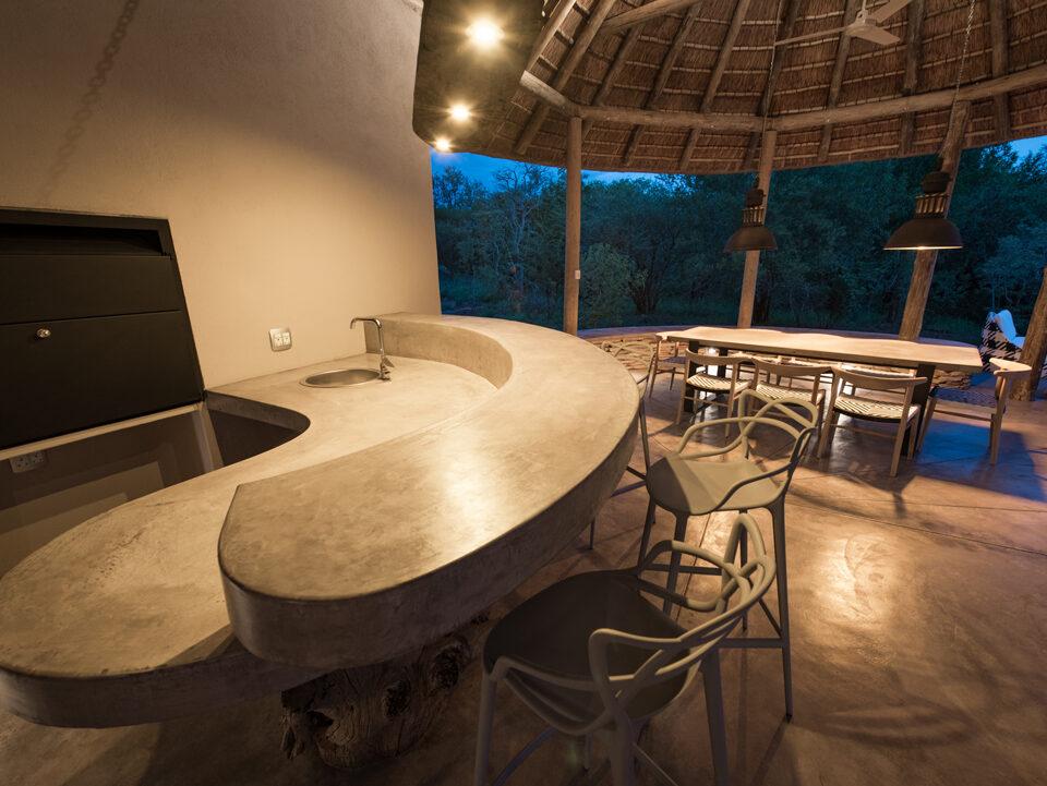 Villa Kudu bar under covered patio