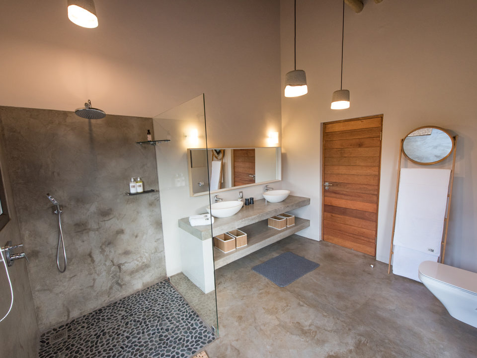 Villa Kudu Cheetah Room & Zebra Room shared bathroom