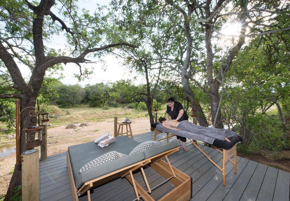 Villa Kudu massage on the deck