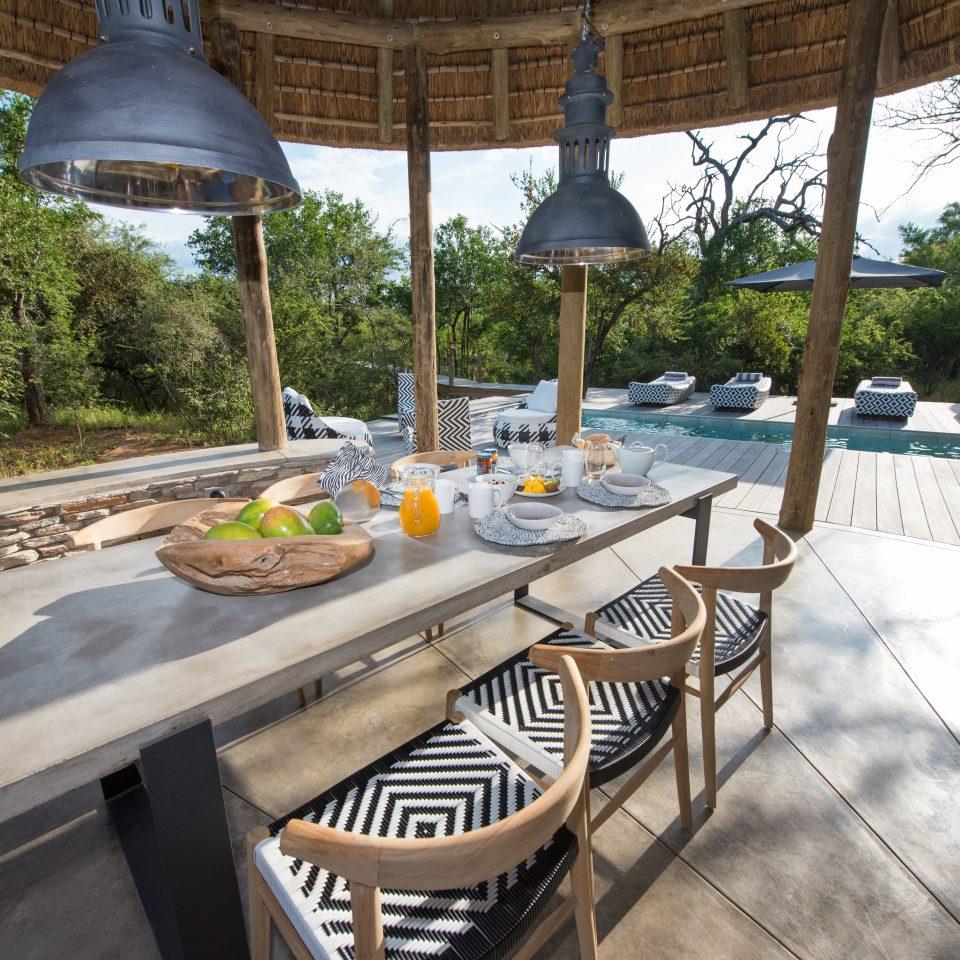 Villa Kudu breakfast outside dinning area by the pool