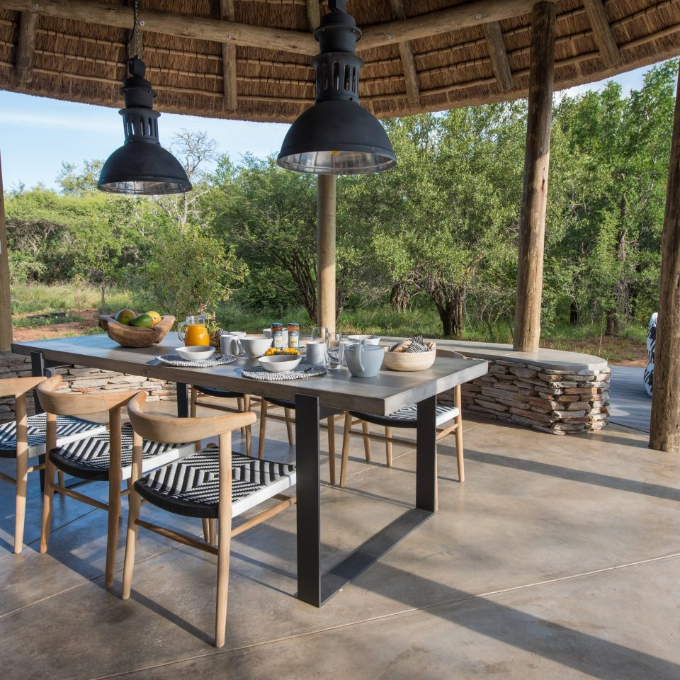 Villa Kudu outside dining area
