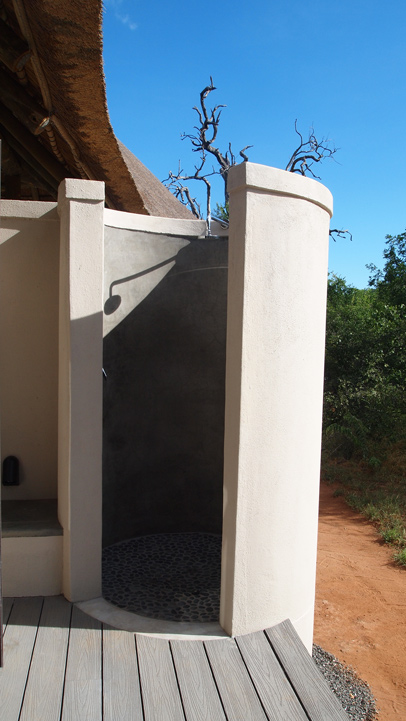 Villa Kudu outside shower