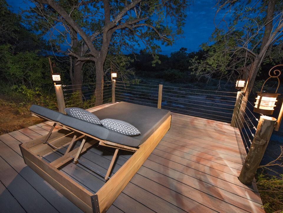 Villa Kudu observation deck at night
