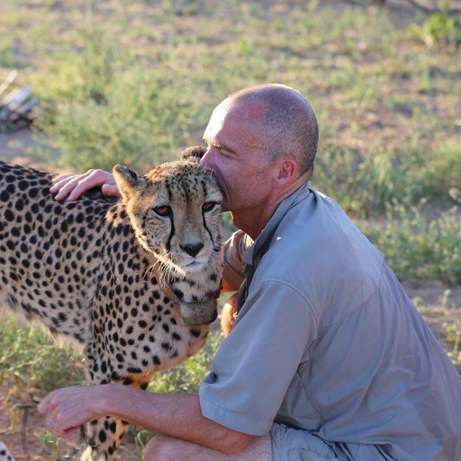 Villa Kudu, meet the Cheetahs at Tshukudu